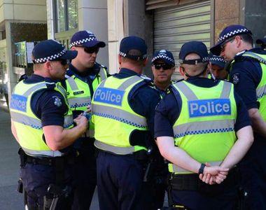 Panică în Australia. Autorităţile investighează mai multe pachete suspecte trimise la...