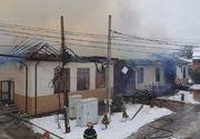 Primăria Fitioneşti din Vrancea, cuprinsă de flăcări violente! Oameni evacuaţi de urgenţă, acoperişul s-a prăbuşit