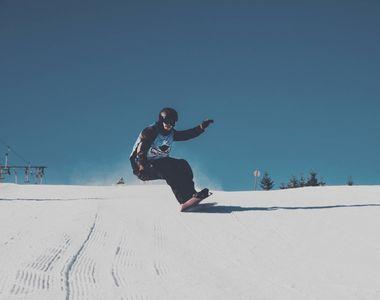 Snowboardingul, cea mai iubită activitate pe Valea Prahovei! Pasionații fac un adevărat...