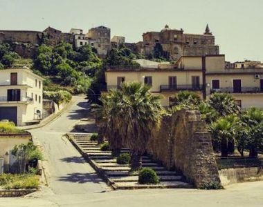 Case de vânzare într-un paradis din Italia la doar 1 dolar. Ce trebuie să faci ca să...