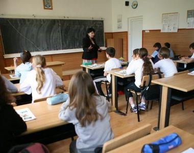Profesoară de engleză din Cluj, cercetată disciplinar pentru că i-a învățat pe copii...