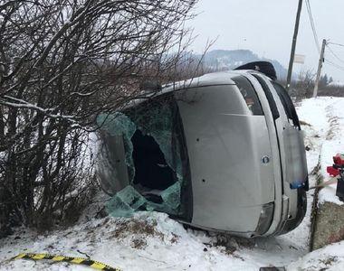 Mașină răsturnată în Argeș! Printre victime se află și un copil de 7 ani