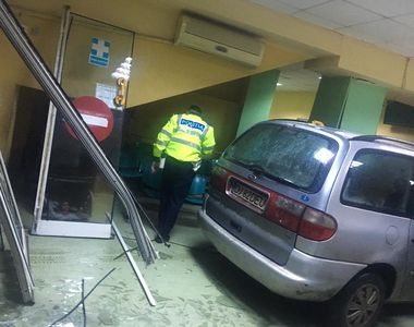 Barbatul care a intrat cu masina in Unitatea de Primiri-Urgente din Craiova a fost pus...