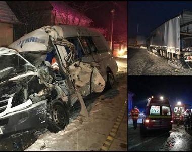 Accident grav în județul Arad. O persoană a murit și alte 12 au ajuns la spital, după...