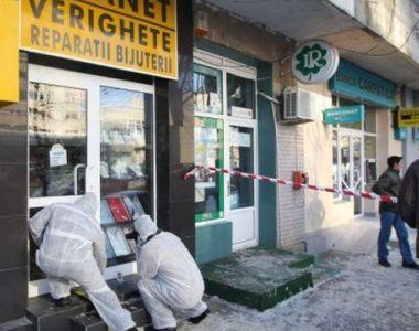 Hoții au dat lovitura! Au furat aur de peste 600.000 de lei dintr-un magazin din...