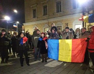 Protest la Sibiu. Sute de oameni în stradă împotriva OUG de repunere în termen a celor...