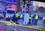 Bărbat lovit de tramvai. Primele informații de la fața locului: a fost împins de pe refugiu