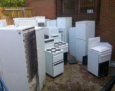 Ai aparate electronice și electrocasnice vechi în casă? Scapă URGENT de ele! De ce spun...