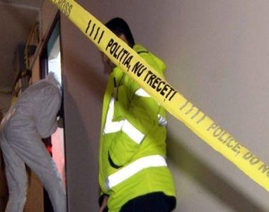 Bărbat, găsit mort într-un apartament din Bistrița! Polițiștii cred că au de-a face cu...