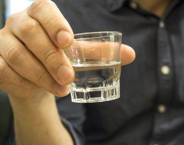 Fără precedent. Peste 100 de oameni au murit în weekend după ce au consumat alcool...