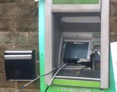 Doi români au detonat un bancomat în Londra