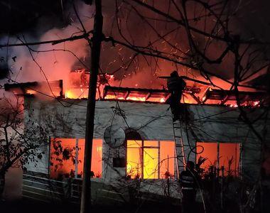 Incendiu devastator la o locuință! A ars din temelii TOTUL! E dezastru într-o...