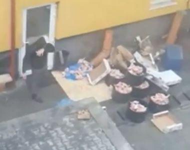 SCANDALOS! Un angajat al unui restaurant din Bistrita a fost filmat facand lucruri...