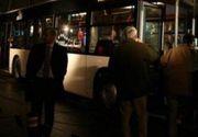 Femeia care a căzut prin geamul unui autobuz, audiată abia azi