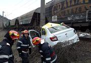 Accident mortal în Mehedinți! Un taxi a fost lovit violent de tren! Un pasager a murit, altul e în stare gravă!