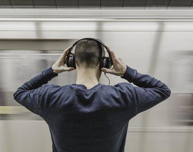 Asculți muzică la căști? Încetează să mai faci așa ceva! Toți cei care fac acest lucru...