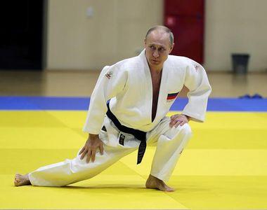 Vladimir Putin si-a spulberat toti adversarii intr-un concurs de judo!