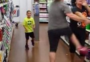S-a aflat cine este profesoara din Târgoviște care a atacat cu brutalitate o femeie cu un copil într-un supermarket din oraș! Lumea este în stare de ȘOC! Femeia lucrează zilnic cu elevii! NIMENI nu se aștepta la EA!