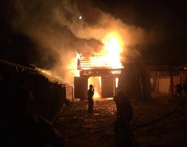 Imaginile groazei de la Alba! O fetiță a murit arsă de vie, în timp ce autoritățile au...