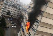 Incendiu violent într-un bloc din Craiova! Locatarii au fost evacuați de urgență
