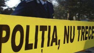 Un bărbat din Vrancea împuşcat în umăr a fost găsit mort într-o mașină