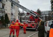 Clipe de groază în Mureș! Incendiu de proporții într-un bloc: Zeci de persoane evacuate de autorități