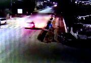 Moarte cumplită! Un bărbat din Dâmbovița a fost călcat de două mașini. Momentul cutremurător a fost filmat
