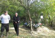 REVOLTĂTOR! Femeie îngropată în spatele casei, după ce preotul a cerut o taxă de 1.000 de lei pentru înmormântare