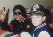 Posturi de radio din cinci tari au decis sa nu mai difuzeze piesele lui Michael Jackson dupa acuzele de pedofilie aduse megastarului!