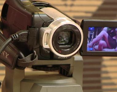 Cutremurător! O fetiță de 8 ani din Timișoara, obligată de mamă să facă videochat...