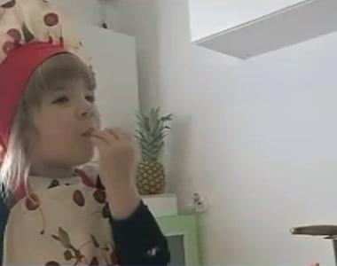 Anastasia este cea mai tânără bucătăreasă din România! La 3 ani face niște prăjiturele...