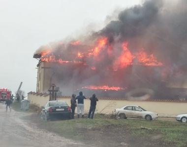 Constanța. Incendiu puternic la chiliile unei mănăstiri