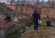 Femeie moartă găsită într-un canal de lângă Mănăstirea Curtea de Argeș
