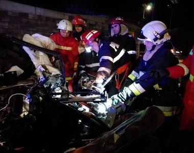"""Un şofer de 28 de ani a murit pe loc după ce a lovit frontal """"Zidul Morţii"""",..."""