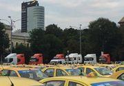 Protest al Federaţiei Operatorilor Români de Transport în Piaţa Victoriei
