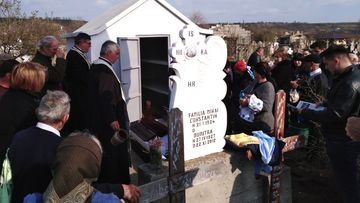 Imaginile durerii pentru români! Economistul Constantin Cojocaru a fost înmormântat