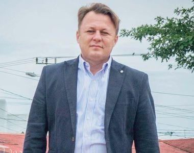 Dragoș Dolănescu i-a făcut parastas de 10 ani tatălui său, Ion Dolănescu. Ce a găsit la...