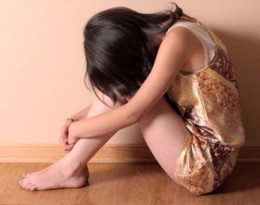 O fată de 16 ani din Focșani a făcut sex în toaleta unui club și a transmis LIVE TOTUL...