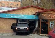 O șoferiță din Galați a intrat cu mașina în sediul cabinetului unui parlamentar PNL! De ce a făcut acest gest?