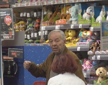 Imagini demențiale cu Nicolae Văcăroiu la magazin! Fostul premier a stat o oră să...