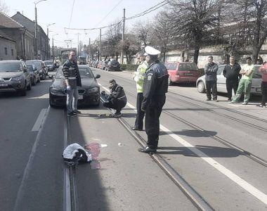 A fost LOVIT DIN PLIN de un autoturism și lăsat într-o baltă de sânge, la Cluj! Au...