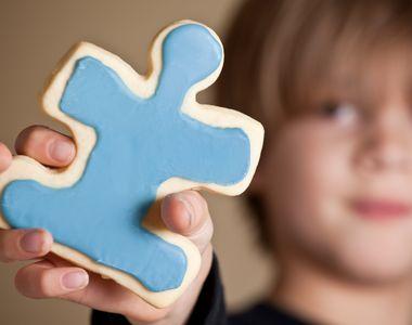 Soliștii de muzică populară și Kanal D au venit în sprijinul copiilor cu autism! Vezi...