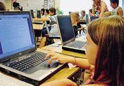 Elevii şi studenţii pot primi o subvenţie de 200 de euro pentru achiziţionarea unui computer; programul se derulează din 2004, fiind peste 300.000 de beneficiari până în prezent