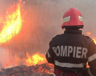Pompier din Mehedinţi, cu arsuri după ce a intervenit pentru stingerea unui incendiu de...