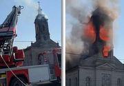 VIDEO   Incendiu la turla şi la acoperişul unei biserici din Timiş