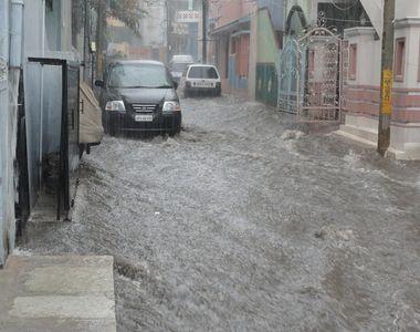 VIDEO   Inundații de proporții în Creta! Destinația preferată de români, SUB APE!