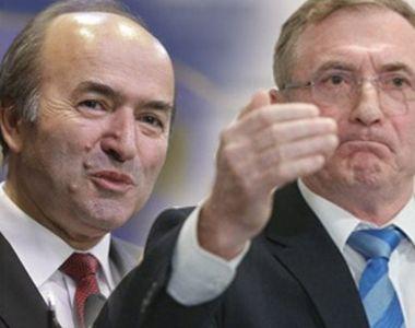 """Cine are vila mai mare? Augustin Lazăr și Tudorel Toader """"se bat"""" și în imobile"""