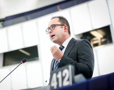 El e politicianul român care câştigă peste 40.000 de euro pe lună! Cristian Buşoi a...
