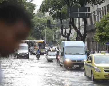VIDEO| E stare de alertă la Rio! Inundațiile au făcut prăpăd! Cel puțin 10 persoane...