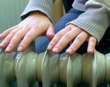 Directorii mai multor grădiniţe au cerut părinţilor să aducă de acasă calorifere, în...